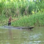 Junge im Boot