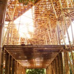Wunderschön, alleine schon das Grundgerüst der Bambusbauten!