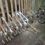 mehrere fertige Fahrrad Rahmen